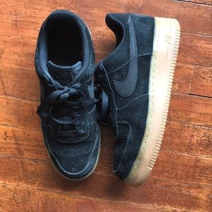 Nike Air Force 1 Black Suede Gum Sole Size 8